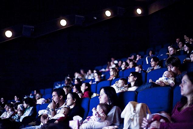 Aproveite a licença-maternidade para ir a uma sessão de cinema exclusiva para mamães (Crédito: Divulgação/Cinematerna)