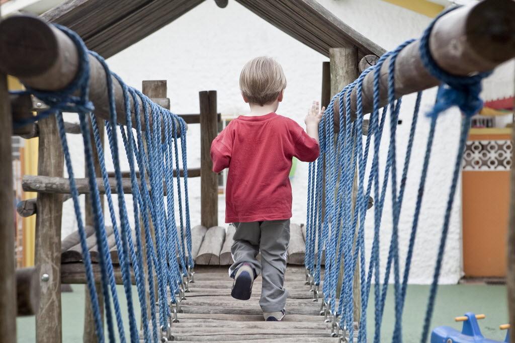 Pais precisam observar a condição de conservação dos brinquedos (Foto: Rodrigo Capote - 04.nov.2010/Folhapress)