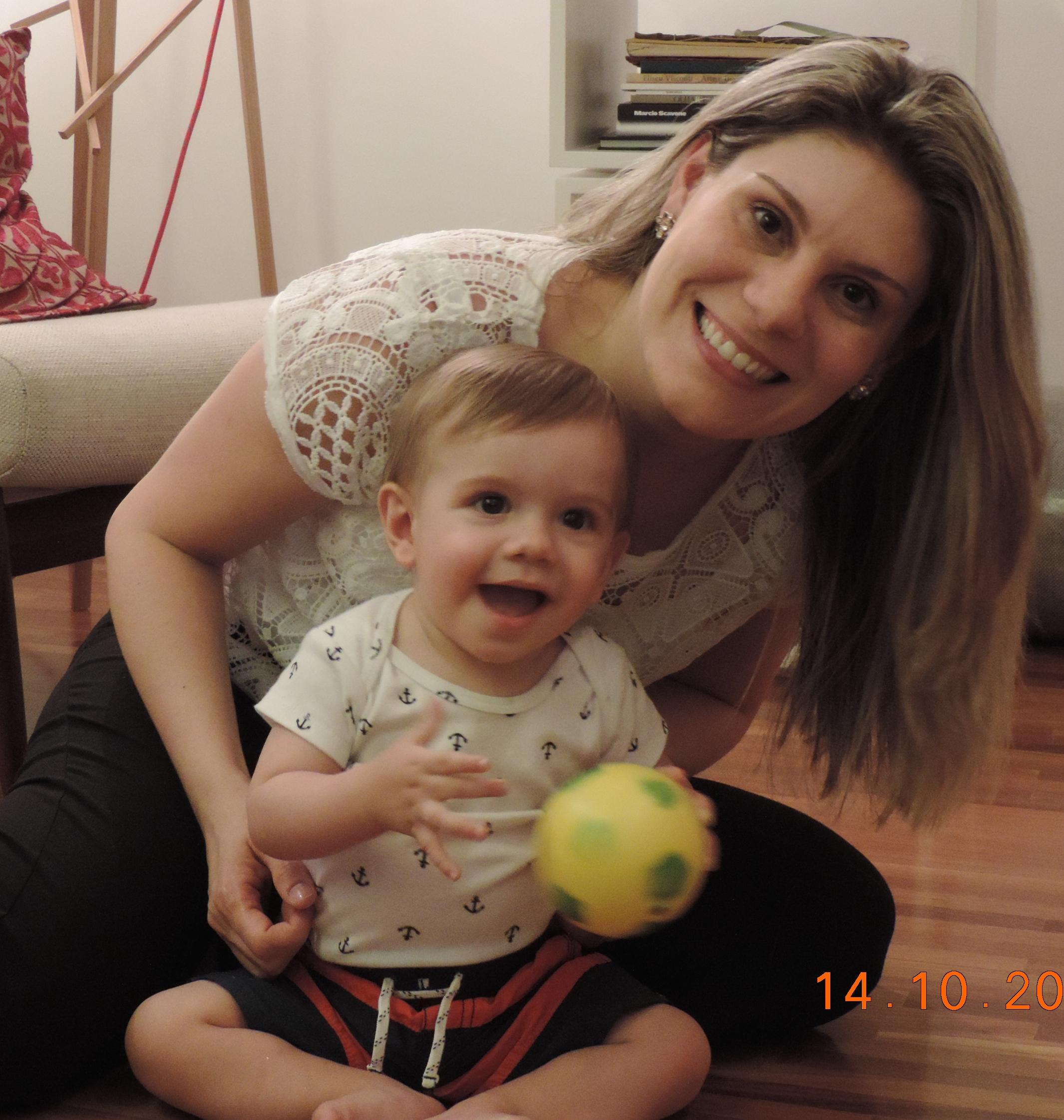 Erika Louise diz que consultoria ajudou-a com a amamentação da filha (Foto: Arquivo pessoal)
