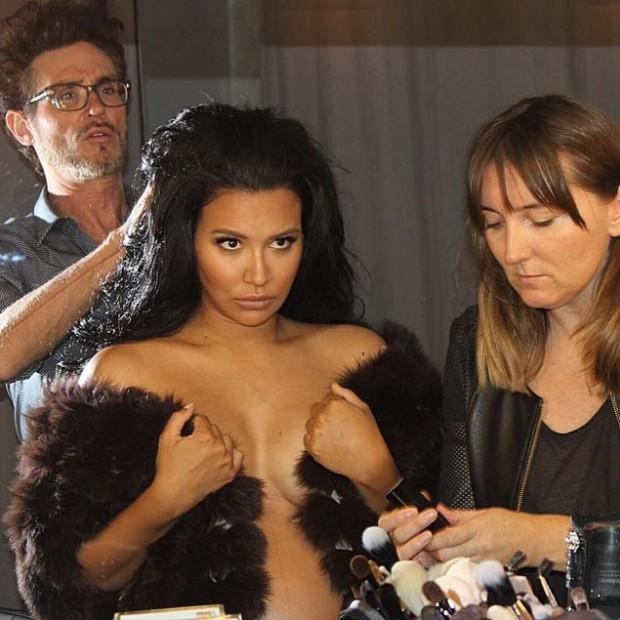 Naya postou fotos dos bastidores do ensaio (Reprodução/Instagram/nayarivera)