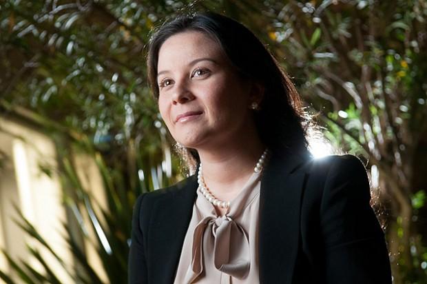 Cynthia Diaféria pode levar filha e marido para uma viagem de trabalho logo após retornar da licença-maternidade (Arquivo Pessoal)