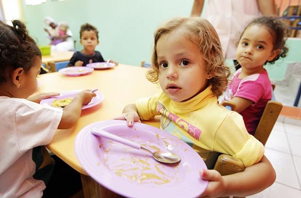 A hora da refeição tem de ser um momento de alegria, diz nutricionista (Robson Ventura)