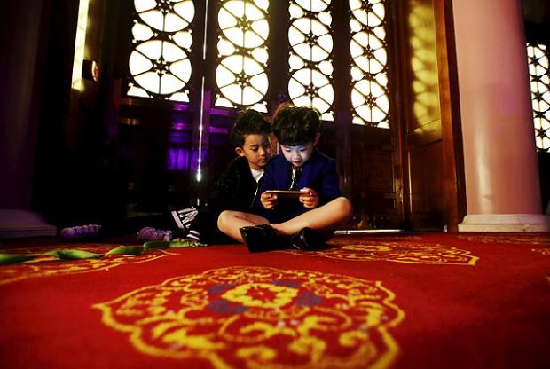 Escolas se queixam da interferência do celular nas aulas (Foto: Kim Kyung-Hoon/Reuters)