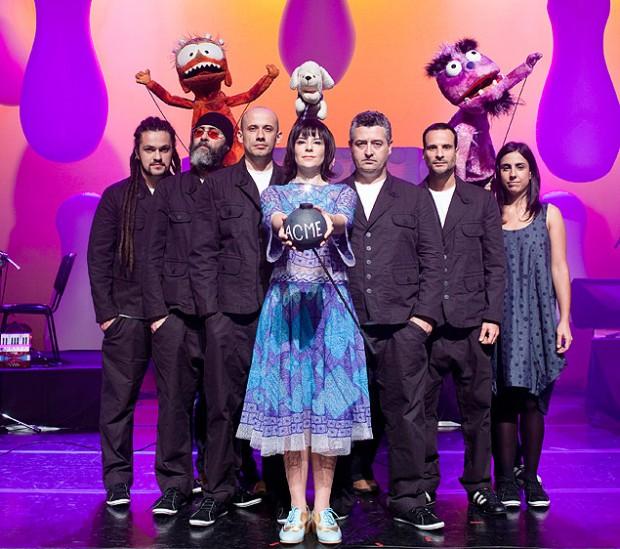 Pato Fu e Giramundo no show 'Música de Brinquedo' (Divulgação)