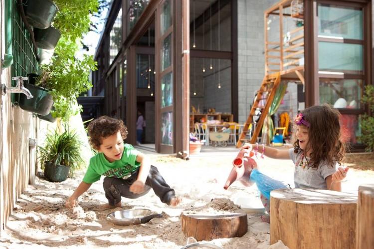 Crianças brincam no Mamusca (Reprodução/Facebook)