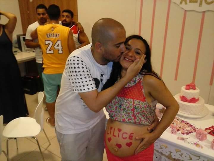 Ana Carolina tenta levar doula para sala de parto (Reprodução/Facebook)