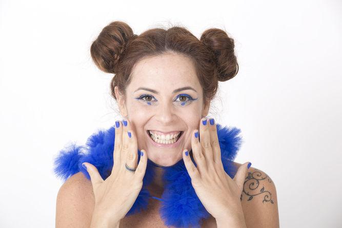 Isadora Canto lNÇ CD em show (Divulgação/Reprodução)