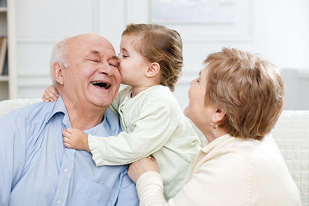 Lei garante direito de convivência entre avós e netos (Fotolia)