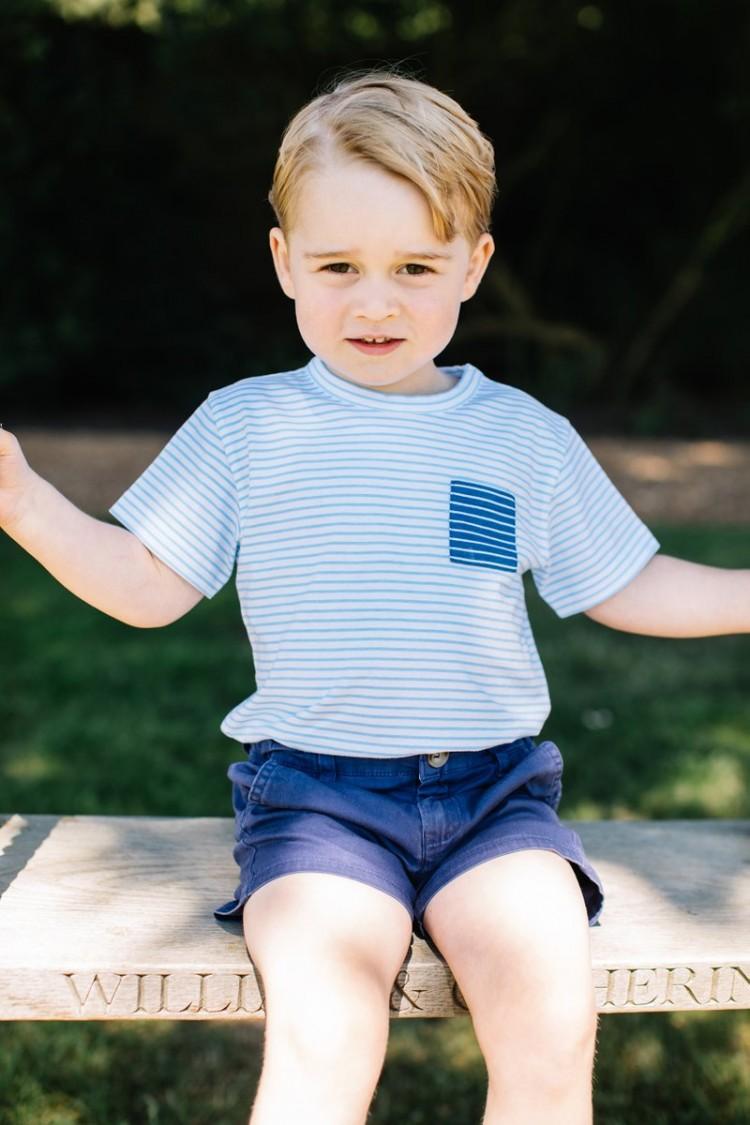 Palácio de Kesington publica fotos nas redes sociais para comemorar o 3º aniversário do príncipe George (Reprodução/Twitter/@KensingtonRoyal)