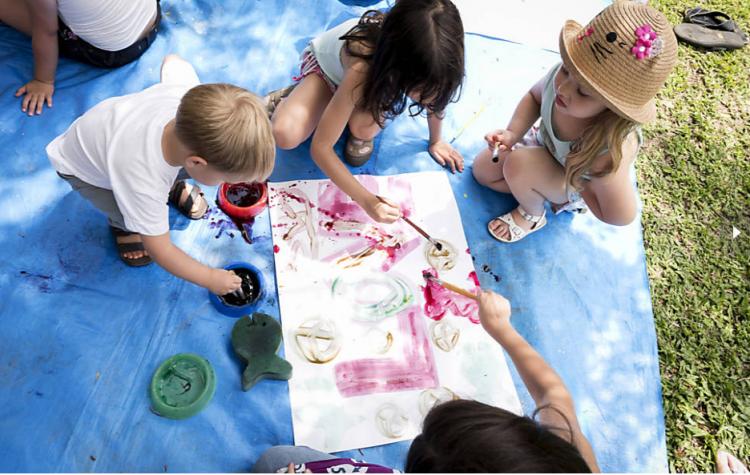 Crianças se divertem em um dos eventos do Slowkids (Divulgação)