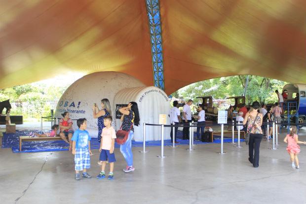 Planetário Inflável (Crédio Pedro Jackson)