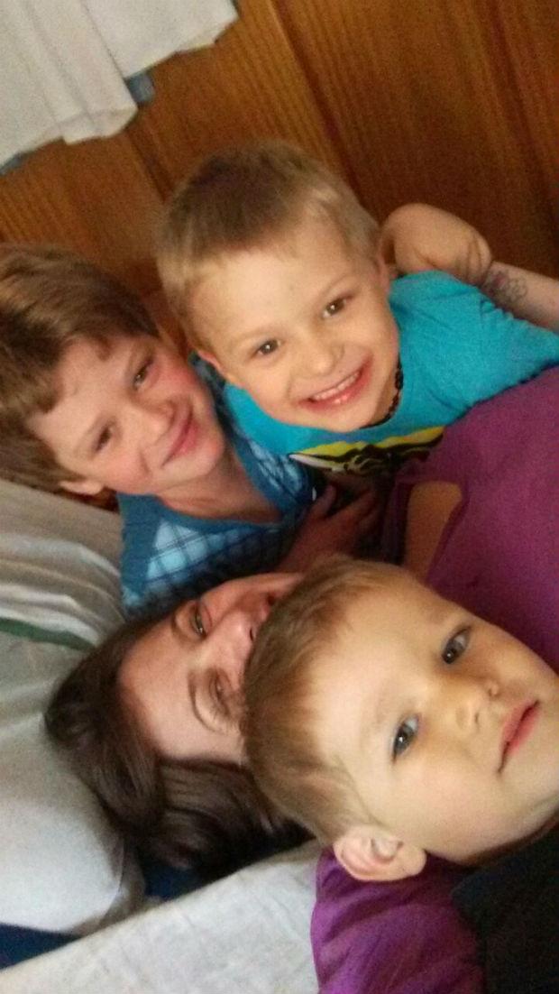 Camila e os filhos (Arquivo Pessoal)